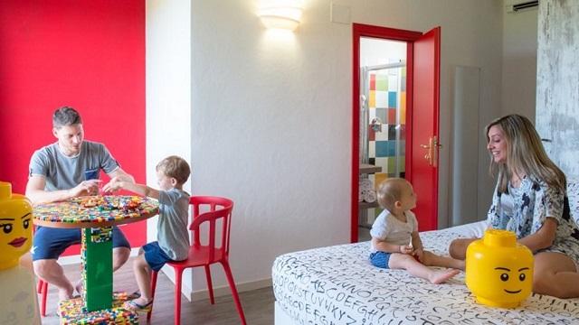 VACANZE NEI FAMILY HOTELS NELLE STANZE A TEMA
