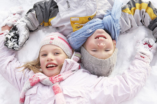 bambini sulla neve