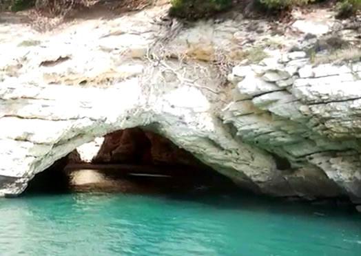 Escursioni alle grotte Marine