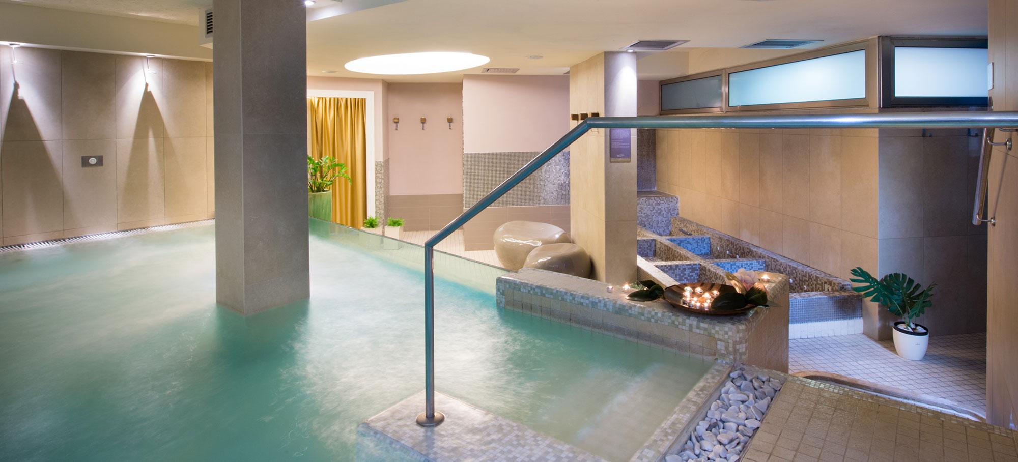 Blu suite hotel 4 sterne bellaria igea marina for Aussenpool aufblasbar